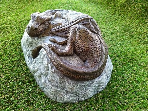 Dragon and baby garden ornament